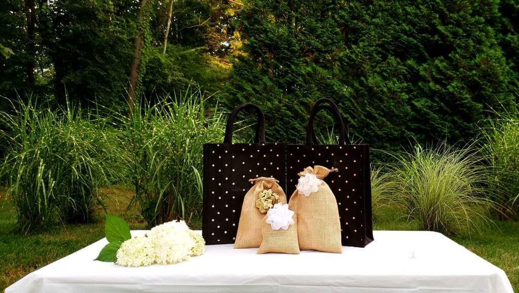 Eco-friendly totes and drawstring bags for wedding favors