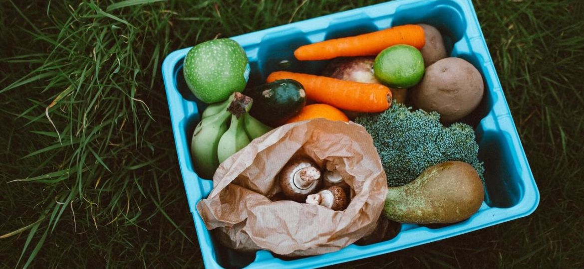 7 Foods that Contain Microplastics & How to Avoid them
