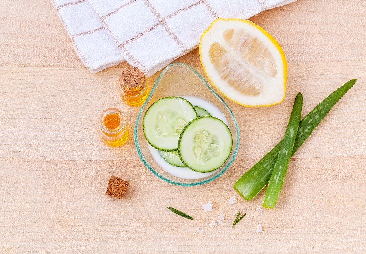 6 Easy Home Remedies for Summer Skin Care